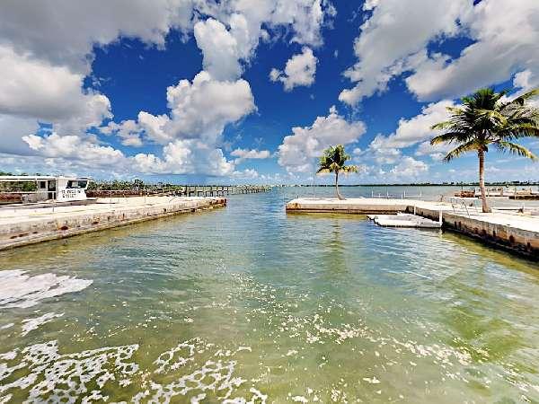 1593092963-boat basin.jpg